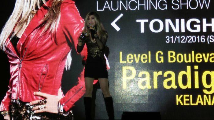 Jessie Chung Mini Konsert di Paradigm Mall Pada Ambang Malam Tahun Baru