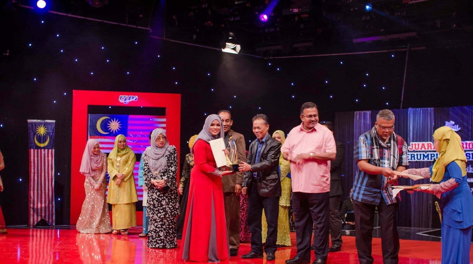 Juara Patriotik Serumpun Kasih Radio Klasik 2017 Milik Siti Aishah Ramli