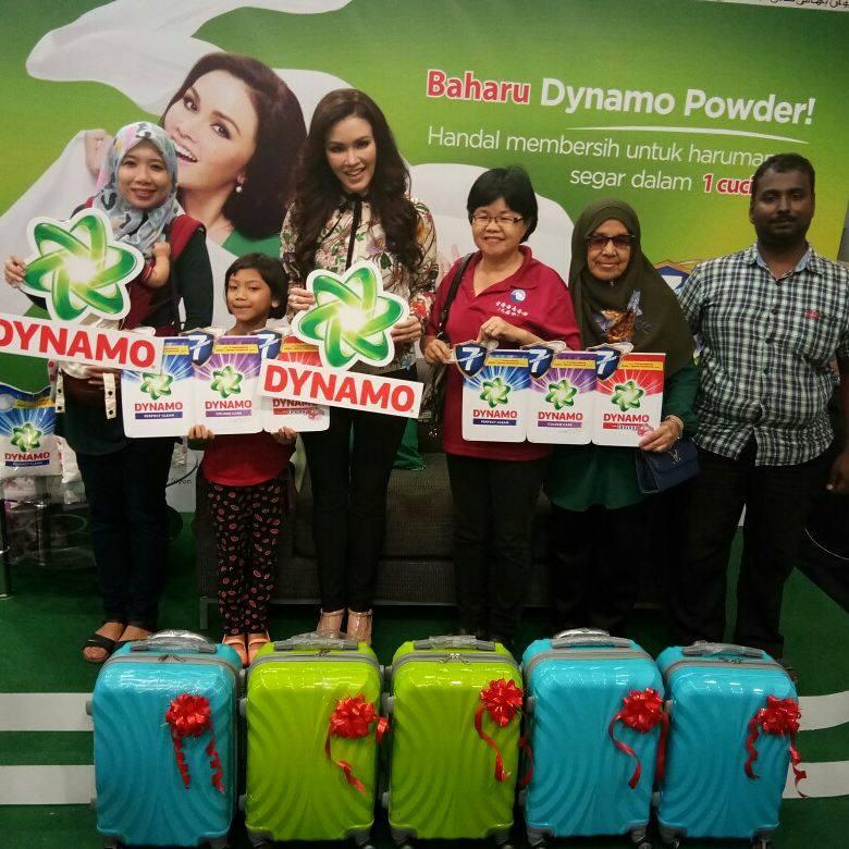 Meet & Greet Bersama Sarimah-Dynamo Untuk 60 Pembeli Awal di Mydin